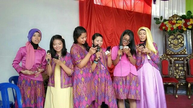 Bridesmaids in action