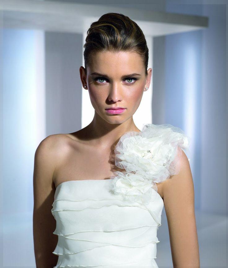 Eden - San Patrick modell - Esküvői ruhák - Ananász Szalon - esküvői, menyasszonyi és alkalmi ruhaszalon Budapesten
