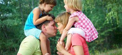 """""""Γιατί βάζω τον άνδρα μου πάνω από τα παιδιά μου"""" εξηγεί μια μαμά προκαλώντας αντιδράσεις"""