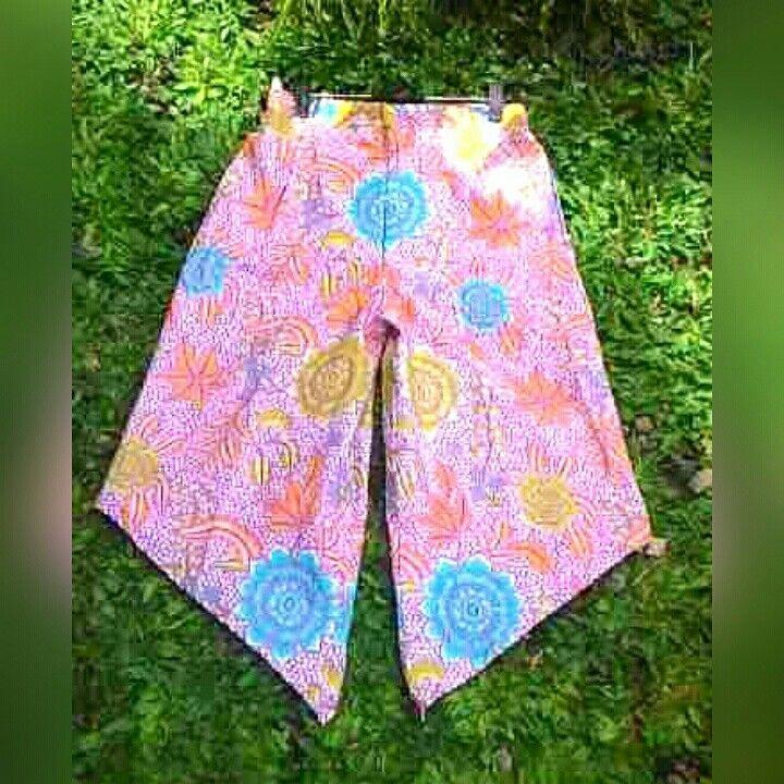 Kulot Batik Asimetris Cullote Batik Pants Trendy for your casual style  SMS/WA 082281115732, pin  2B2FE825, line: aalinabatik, IG @aalinabatik, LinkedIn: Aalina Batik, FB Aalina Batik, Path Aalina Batik, Pinterest Aalina Batik.