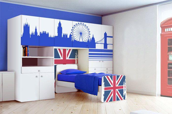 Stampa adesivi decorativi di grande formato che in breve tempo ti permettono di trasformare i tuoi mobili in componenti d'arredo originali.