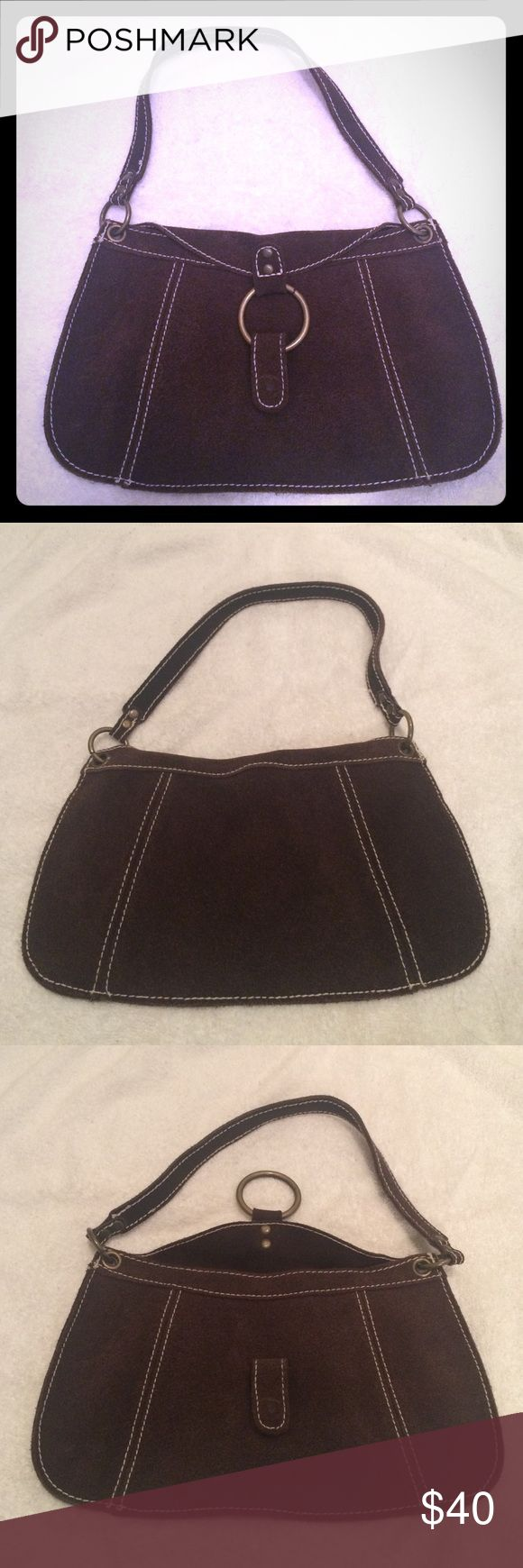GAP Handbag Soft leather clutch handbag! This is a great accent piece to a simple spring outfit! No signs of wear only used it a couple of times. Offers Accepted! #LikeNew GAP Bags Clutches & Wristlets