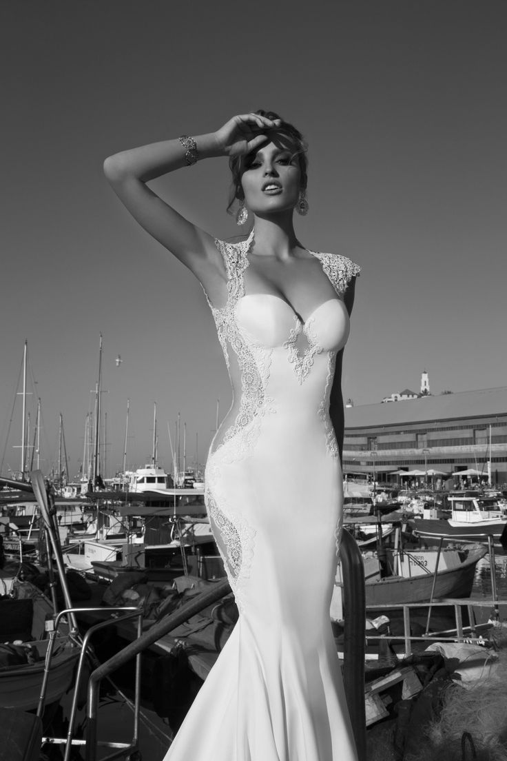 My dears, get ready to mark your calendars, because Bridal Reflections is hosting an incredible trunk show from August 6-10th, 2014 featuring designer Galia Lahav! Showing a brand-new bridal collection, La Dolce Vita as well as her first ever evening wear collection, Moonstruck, this is a seriously special event you wont want to miss. Known in Israel and abroad…