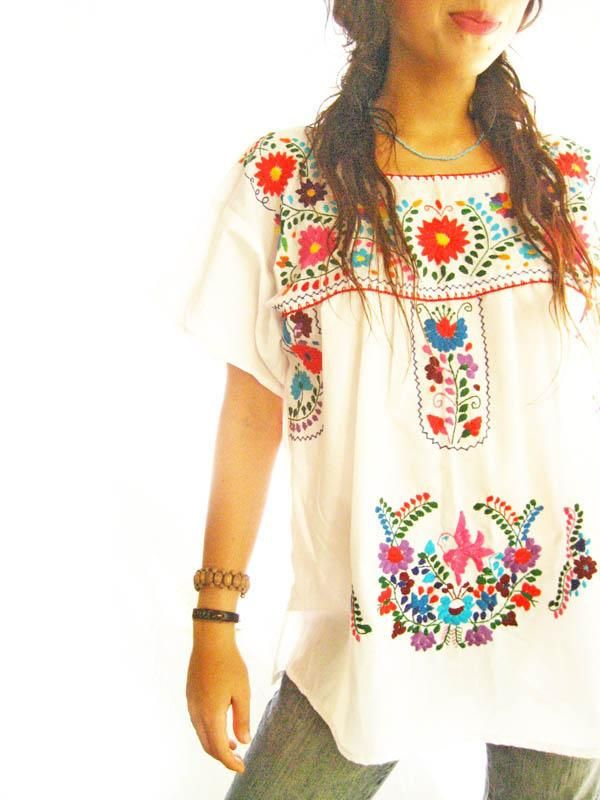 ViNtAgE 70's Oaxacan Floral Mexican Embroidered MiNi Dress Tunic