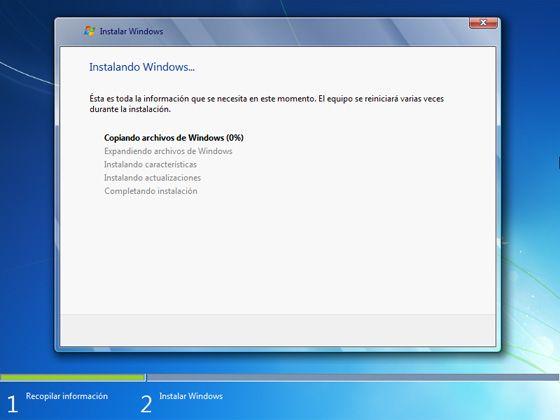 Instalar Windows 7: Espera a que se complete la instalación
