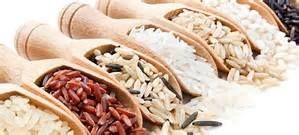 Seputar Mutu Beras Kemasan dan Pencampuran Beras  Melengkapi beras curah yang tersedia di pasar tradisional, belakangan ini muncul berbagai merek (brands) beras kemasan di pasar modern dengan beragam label dan desain kemasan yang menarik. Beragam jenis beras tersedia dari sekedar beras sosoh (putih), beras wangi, beras pecah kulit, beras merah, beras hitam sampai beras organik, dengan atau tanpa menyebut asal varietas padinya. Ukuran kemasan juga bervariasi mulai dari yang 1, 2, 5 atau 10…