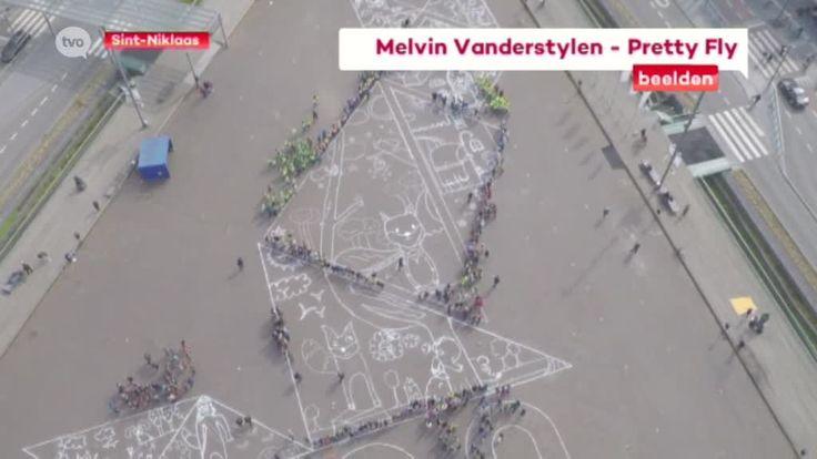 Meer dan 500 leerlingen mochten een reusachtige tekening van een bekende figuur uit de Middeleeuwse literatuur inkleuren. Ze vieren hiermee ook de 800ste verjaardag van de stad Sint-Niklaas.
