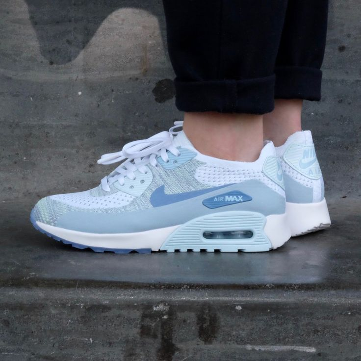 Nike W Air Max 90 Ultra 20 Flyknit (881109-105) White Glacier Blue