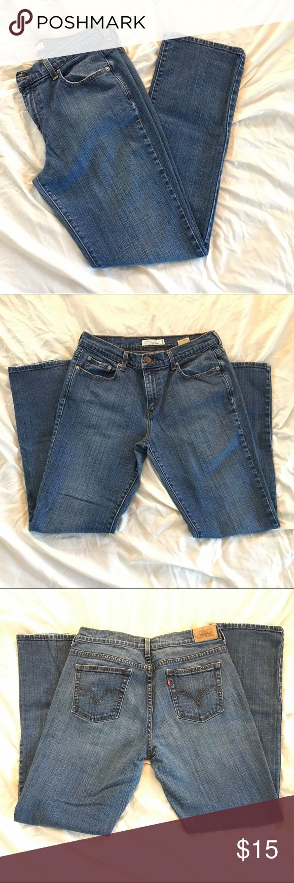 Women's Levi's 505 Jeans Women's Levi's 505 Straight Leg Jeans. Size 10M. In Great Condition. No Tears Or Stains. Levi's Jeans Straight Leg