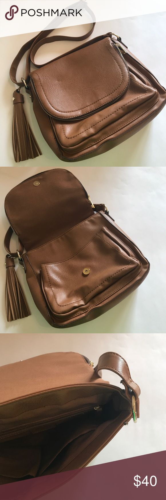 Target Purse (Used Once) Tan Target Purse (used once) Target Bags Crossbody Bags