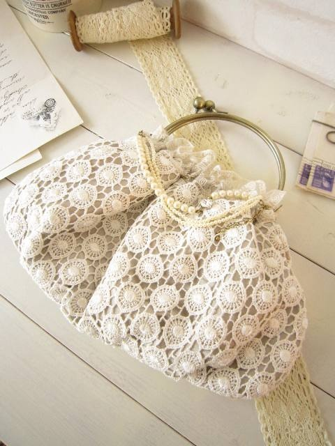 lace bag - I just gasped when I saw this....I had one when I was about 14 just like this (almost) and I had matching gloves too!!! AW, now I'm feeling nostalgic!!