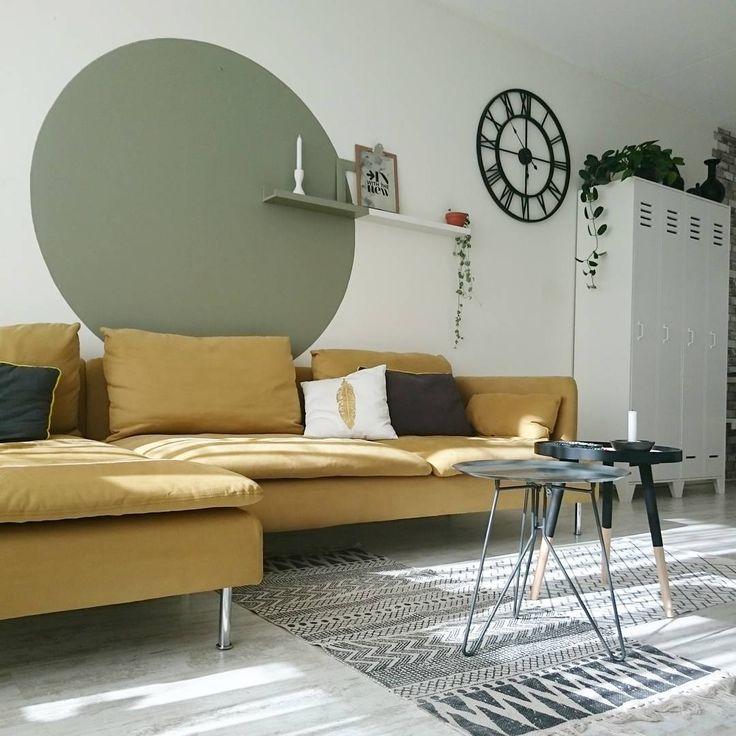 Iedereen past kleur anders toe in huis. Zo ook met Camouflage Green in deze cirkle op de muur van @aysu.sener , gespot op Instagram