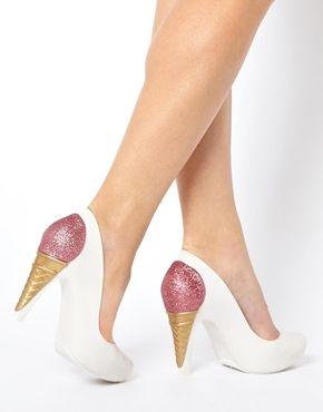 Chaussures motif cornet de glace à croquer! Si seulement, je savais marcher avec des talons...