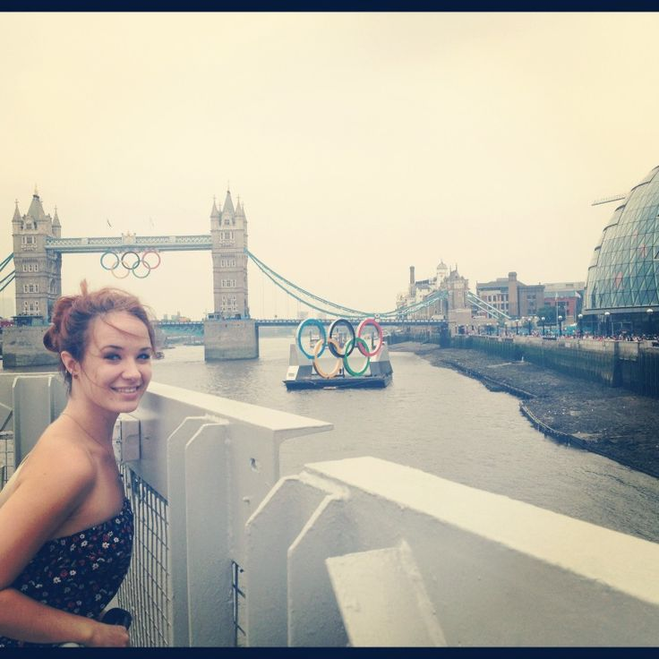 Sierra Boggess Follow me on insta: beabeautiful13 Follow me on twitter: all_aglow