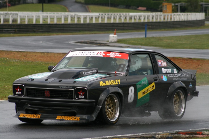 Clarke Hopkins in his 1977 Holden Torana A9X at Pukekohe on a wet track 2012