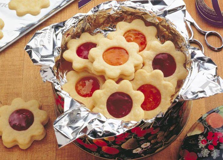 GALLETAS de mantequilla rellenas  http://www.reynolds.com.mx/entrada-receta/galletas-de-azucar-rellenas-de-mermelada/