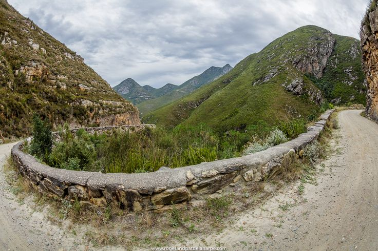 This is the historic Montagu Pass that crosses the majestic #OteniquaMountains near George in the Western Cape, #SouthAfrica. Experience this in 360Degrees: http://rogerandpatdelaharpe.com/360-degree-panorama/