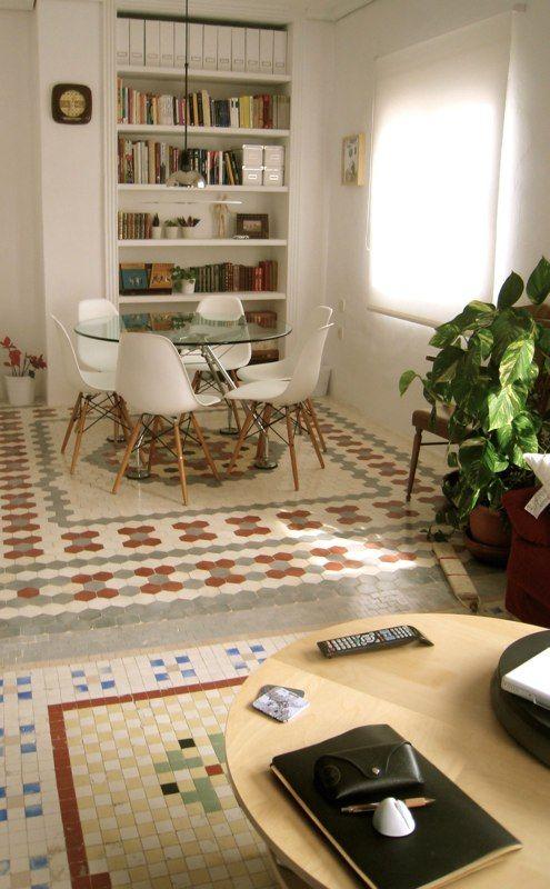 Norman foster table mesa cristal silla chair eames white suelo mosaico de nolla reformas Valencia ballester renueva renoba.es