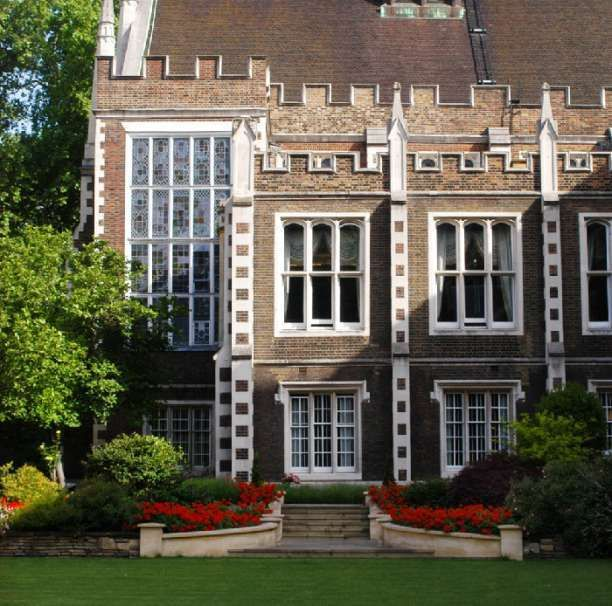 Middle Temple & garden - Middle Temple Hall wedding venue in London, Greater London. Surrounded by a beautiful landscaped garden overlooking the Thames, it is the perfect place to host a reception, dinner, wedding ceremony and reception.
