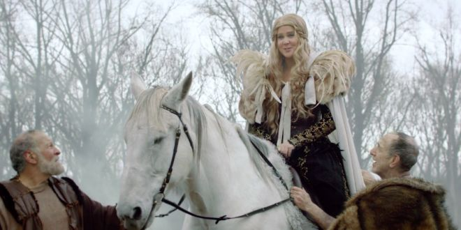 Amy Schumers Game of Thrones-Inspired Promo Is Perfect