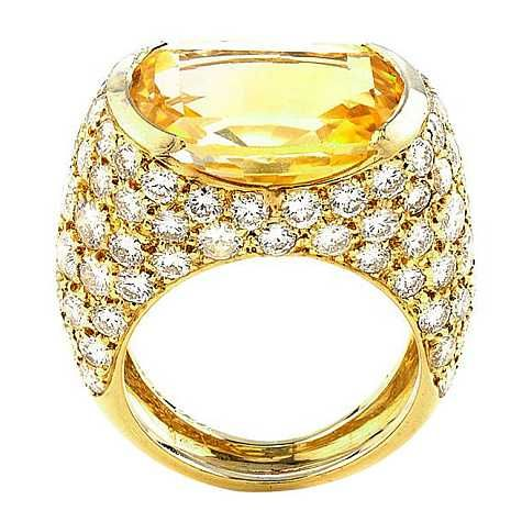 VAN CLEEF and ARPELS Yellow Sapphire luxury Diamond Ring