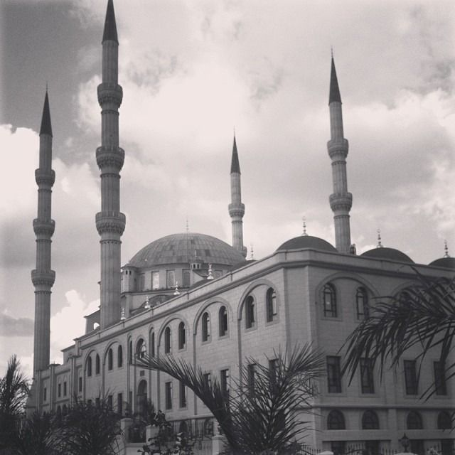 Millions of miles away. In another era. …almost. #nizamiye #midrand #turkey #southafricaza #architecture #monument #mustsee #magnificent #fashioneasta #zuricouture