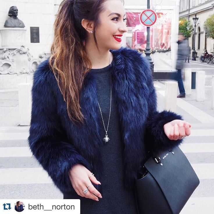 #Repost @beth__norton  Spent this afternoon exploring. So happy to be in Budapest  its such a beautiful city! #Engelsrufer - Shop now for engelsrufer_uk_ireland > http://ift.tt/1Ja6lvu