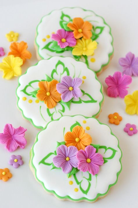 Pretty Luau Cookies with Fondant Flowers (with full tutorial) by @Glorious Treats