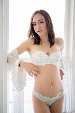 Teen girl from romania hard fuck - 1 3