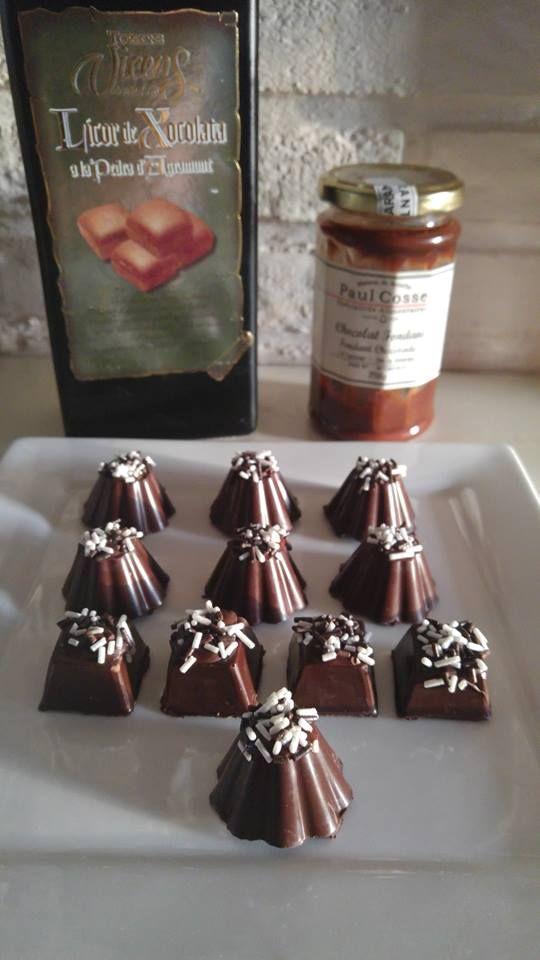 Bonbons gemaakt met een vulling van Spaanse chocoladelikeur en Belgische fondant