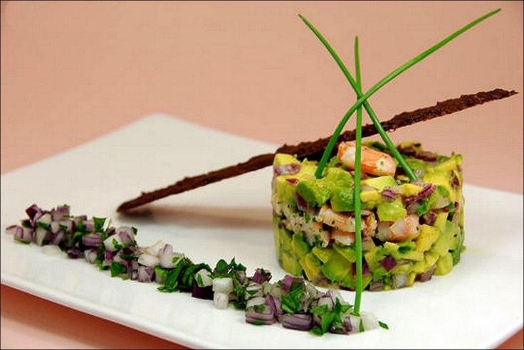 A défaut de bleu dans le ciel, du vert dans l'assiette !... ;) (Péché de gourmandise) Les premiers qui partagent la photo gagnent 1 point !!! ;) . L'art de dresser une assiette comme un chef... http://www.facebook.com/VisionsGourmandes . #gastronomie #gastronomy #chef #recette #cuisine #food #visionsgourmandes #dressage #assiette #art #photo #design #foodstyle #foodart #recipes #designculinaire #culinaire #artculinaire #culinaryart #foodstylism #foodstyling