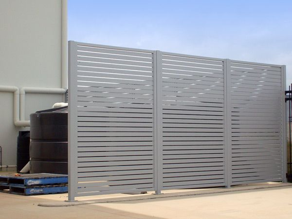 Slat Fencing and Gates « HomeTec