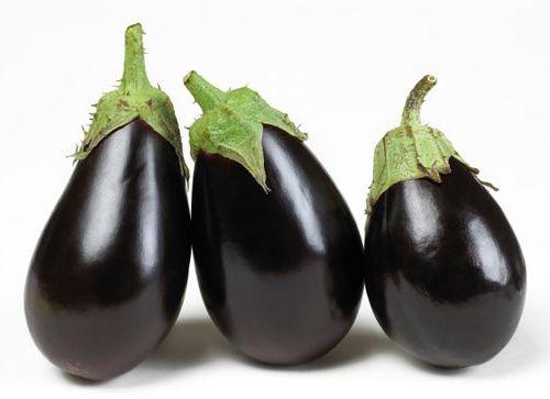 Ca și avocado sau roșia, vânăta este de fapt un fruct, considerat legumă. Pentru mult timp, a fost un ingredient de bază al bucătăriei europene, dar este și cheia unor preparate asiat…