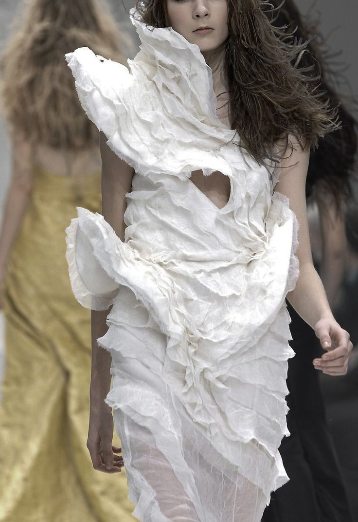 Beautiful Sculptural Fashion - white dress with delicate contouring  texture; wearable art // Olivier Theyskens for Nina Ricci Couture