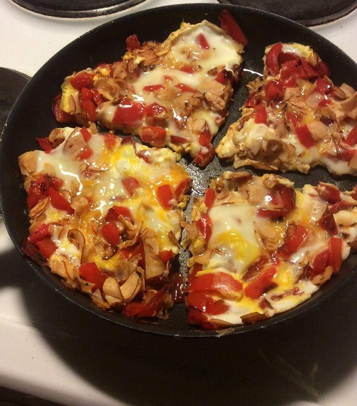 Helppo pizzan korvike : Paprika-leikkele munakas