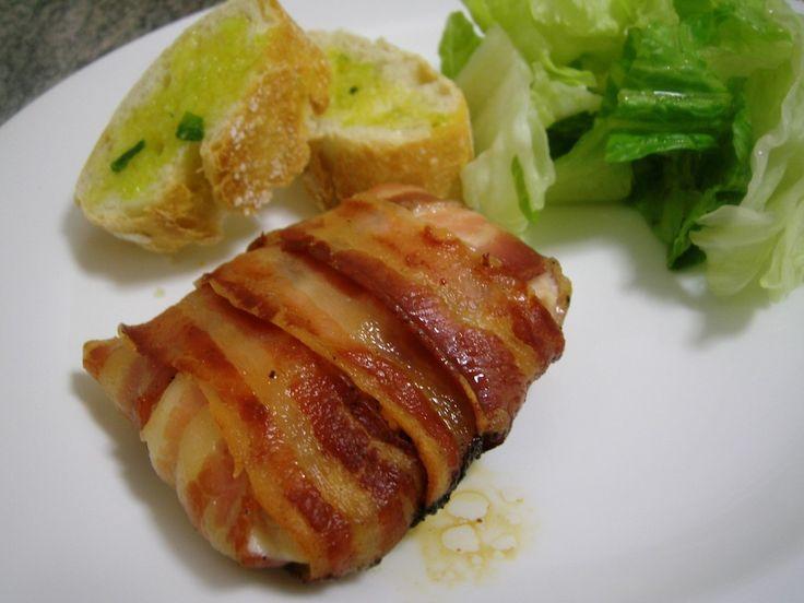 Receta de pechuga de pollo envuelta en tocino al horno