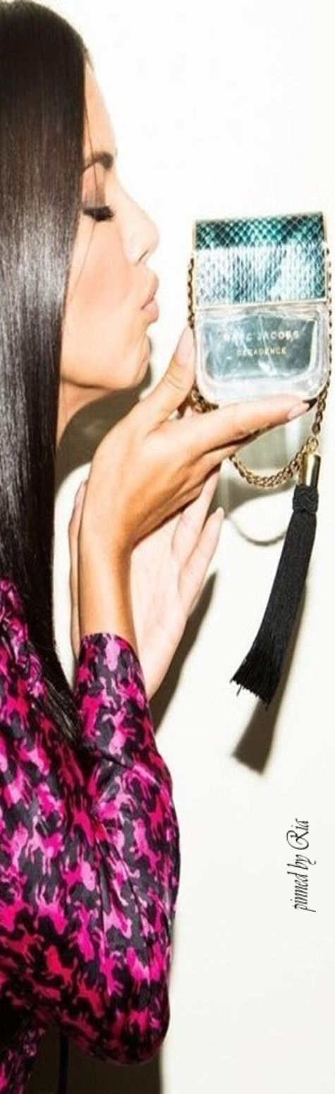 Adriana Lima for Marc Jacobs Devine Decadence l Ria