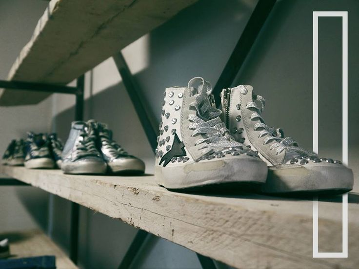 No more studs but sparkling steps in this Golden Goose row. Ready to go away from our store in Cagliari.