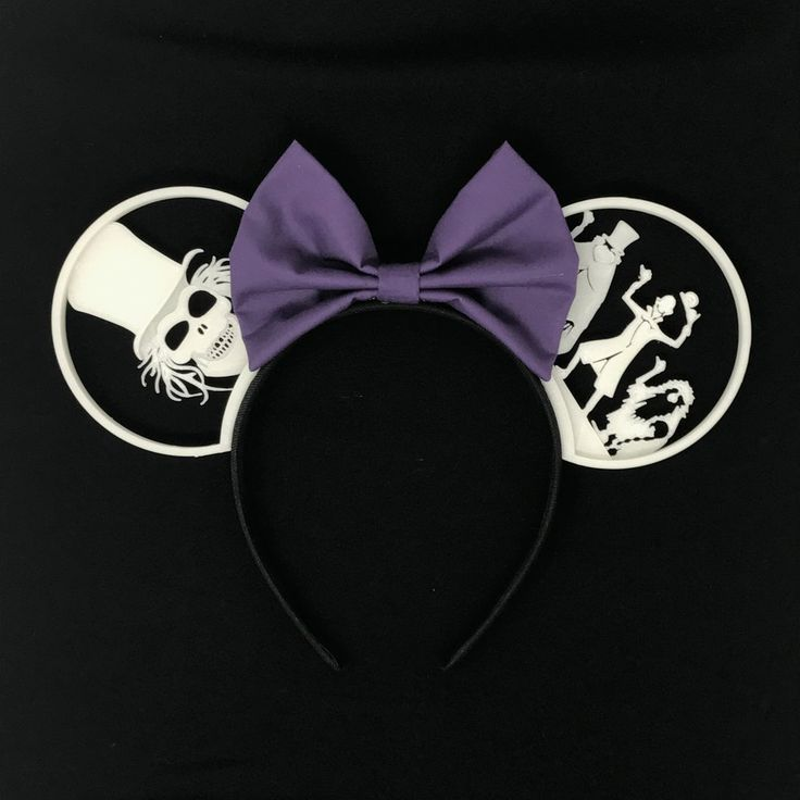 Grim Grinning Ghosts with Custom Bow