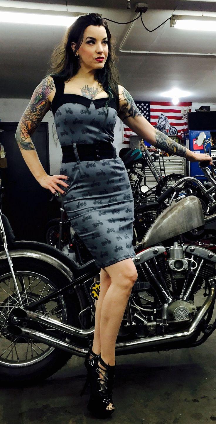 17 best shooting pin up moto images on pinterest biker. Black Bedroom Furniture Sets. Home Design Ideas