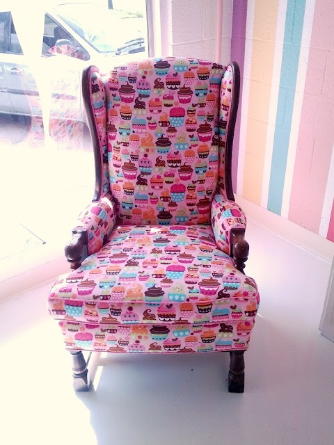 cupcake chair ....so wanting one of these!  Bella's room!