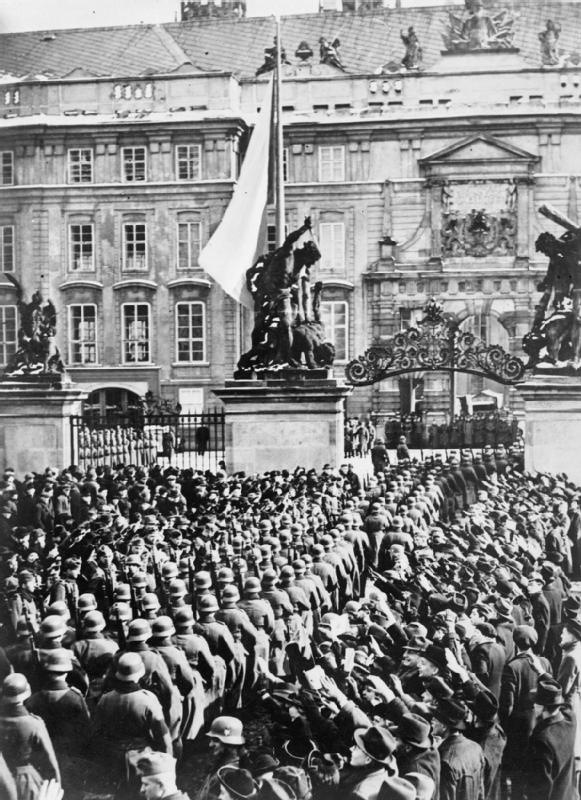 German troops enter Prague.