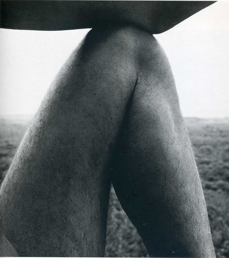 Photo by Aaron Siskind © Copyright by The Aaron Siskind Foundation.