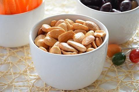 MANDORLE SALATE  La ricetta delle mandorle salate è tanto semplice e veloce quanto sfiziosa. Le mandorle salate sono un aperitivo goloso e stuzzicante.  #lacucinaimperfetta #ricette #recipes #mandorlesalate #aperitivi #antipasti #stuzzicherie