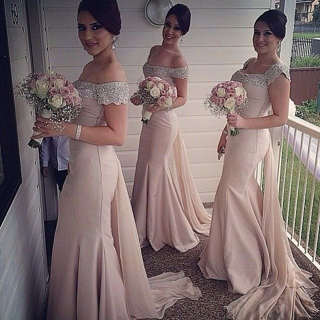 So gorgeous, loving the#bridesmaidsdresses by @tarikedizofficial #wedding #weddingdigest #weddingdigestnaija #weddingdigestnigeria #Padgram