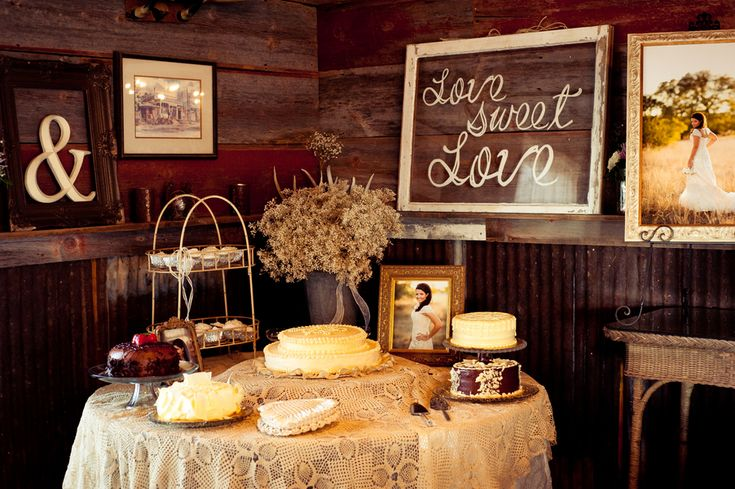 Rustic Wedding Cake Table- love: Cakes Ideas, Sweet Tables, Country Weddings, Rustic Cake, Rustic Wedding Cakes T, Wedding Cake Tables, Wedding Cakes Tables, Desserts Tables, Vintage Style