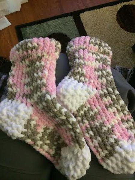 Calcetines tejidos en telar por Sara M.