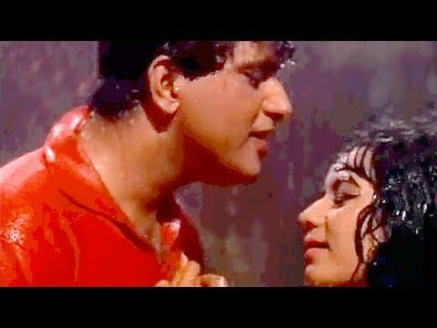 A very #HappyBirthday to the legendary actor #ManojKumar may he have healthy & happy life ahead, here is a sensual song of his from #Gumnaam