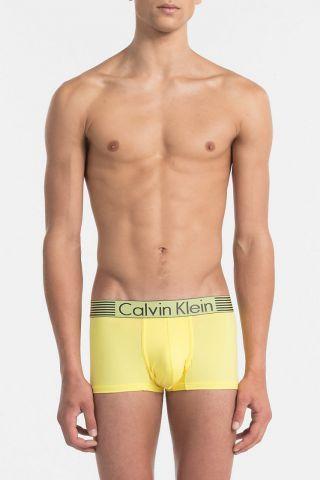 Calvin Klein / Different.cz - 820 Kč