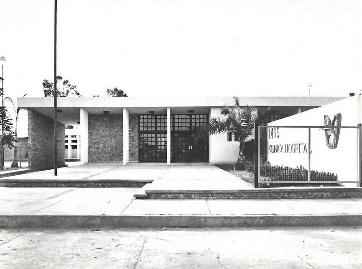 Acceso principal, IMSS Clinica Hospital (No. 48), bv. Miguel Alemán Valdez, Carlos A. Carrillo, Veracruz, México 1967   Arq. Alberto Castro Montiel -  Main entrance to the IMSS Clinca Hopsital in Carlos A. Carrillo, Veracruz, Mexico 1967